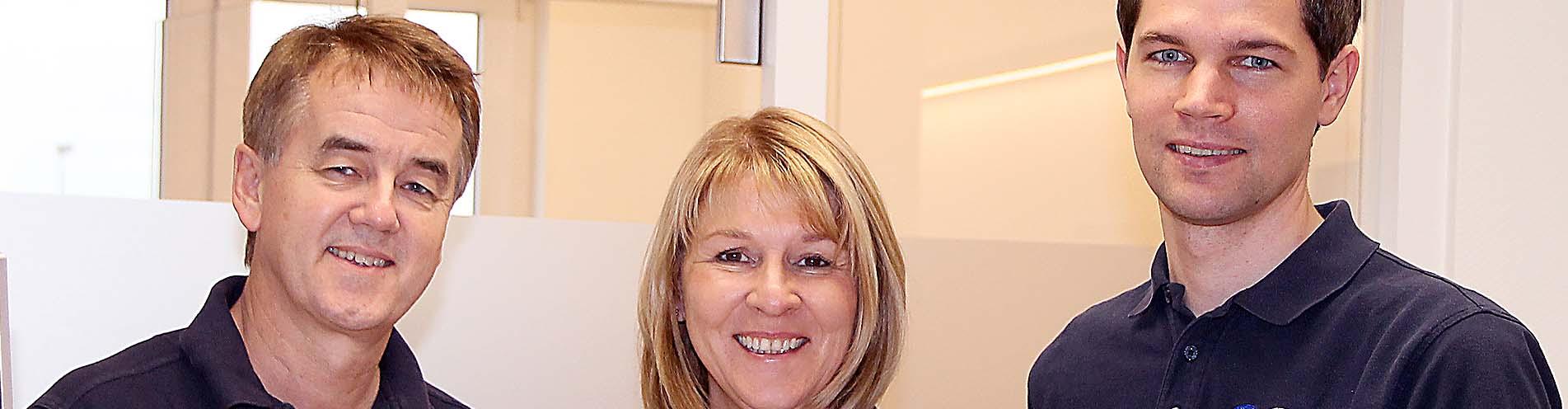 Wir sind Ihr Zahnarzt in Hofgeismar für den Raum Kassel bis Göttingen. Wir sind spezialisiert auf Zahnimplantate, Prophylaxe, Narkose und Veneers.