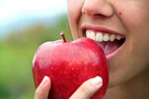 Haben Sie Probleme beim Kauen oder beim kraftvollen Zubeißen? Denken Sie gerade über Zahnimplantate nach? Dann sind Sie hier genau richtig.