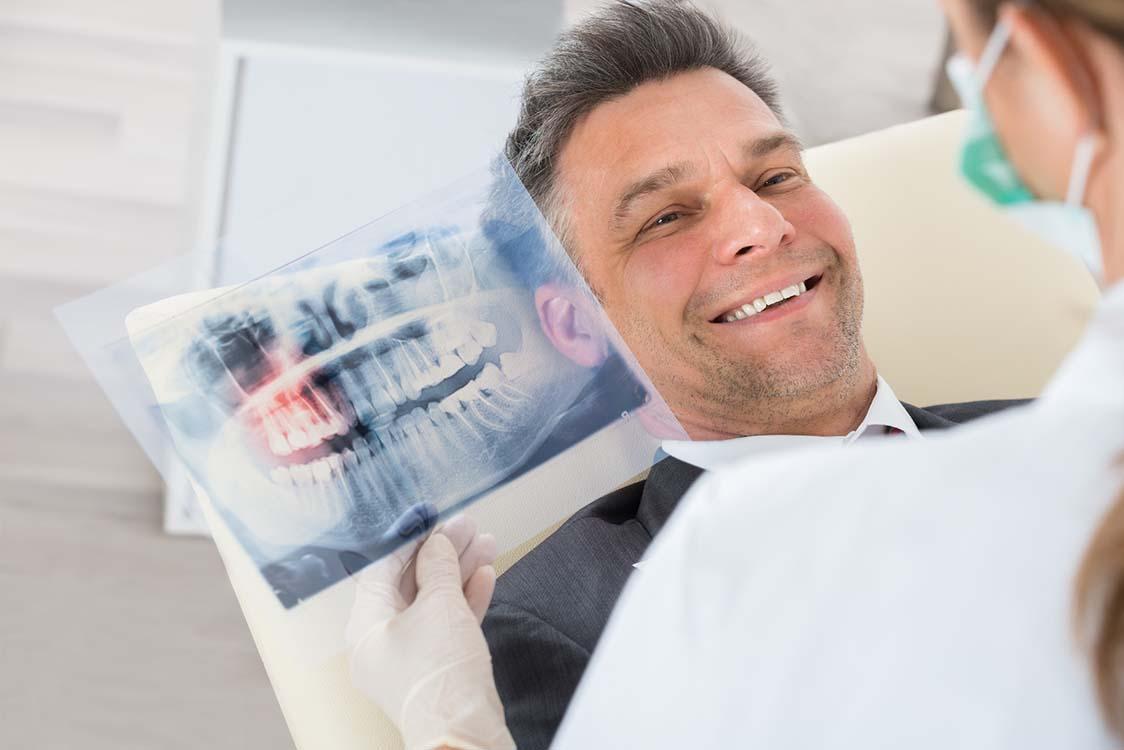 Zahnimplantate: An dieser Stelle informieren wir Sie gerne darüber, wie die Behandlung verläuft.